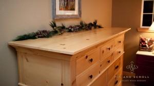 Rustic Pine Bedroom Set Large Knotty Pine Dresser 01