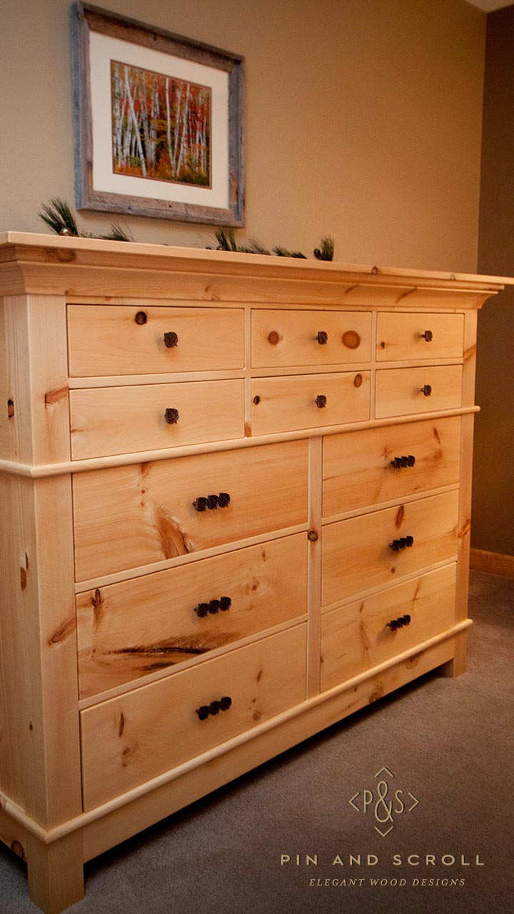 Rustic pine bedroom set large knotty pine dresser 02 for Bedroom dressers