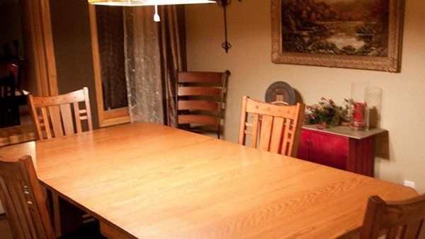 Arts and Crafts Style Oak Dining Table 02